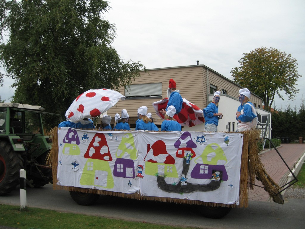 Harvest parade float