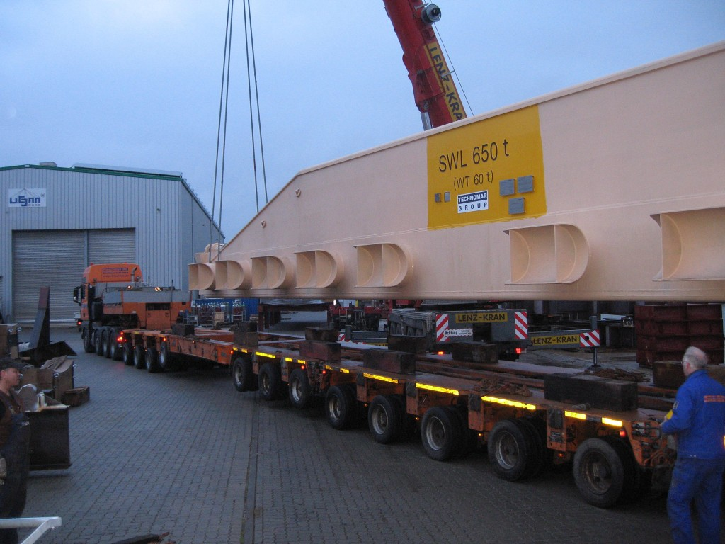 650 ton SWL heavy cargo traverse on truck