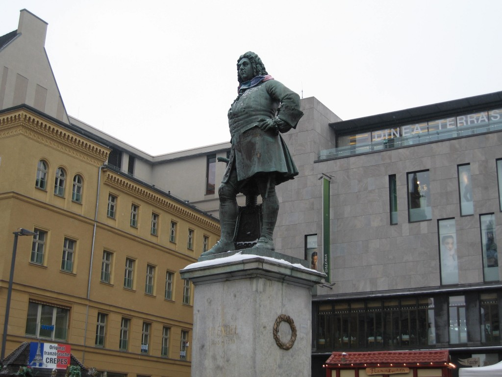 Halle Händel monument