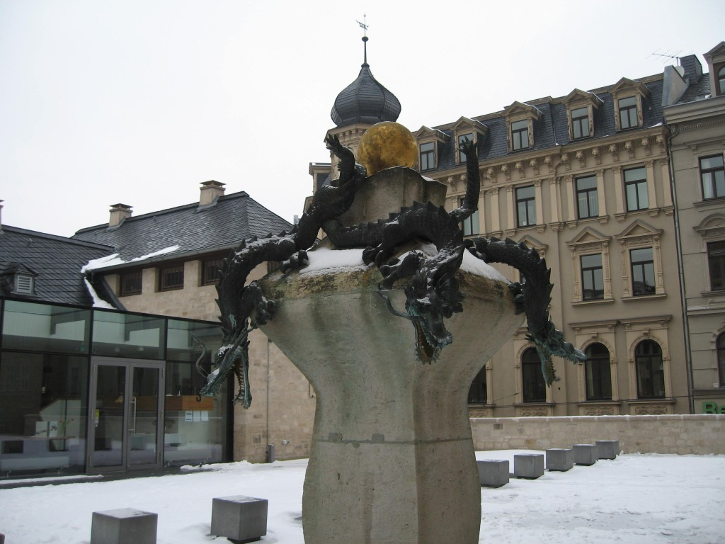 Halle dragon fountain