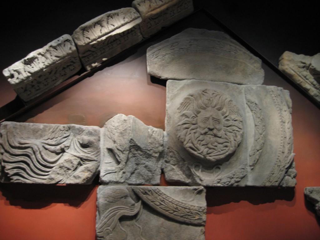 Bath: Roman temple leftovers