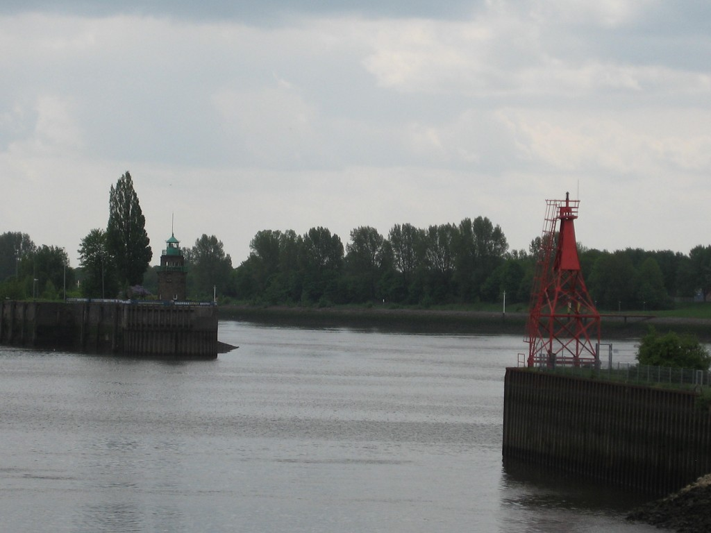 Bremen harbour lighthouses