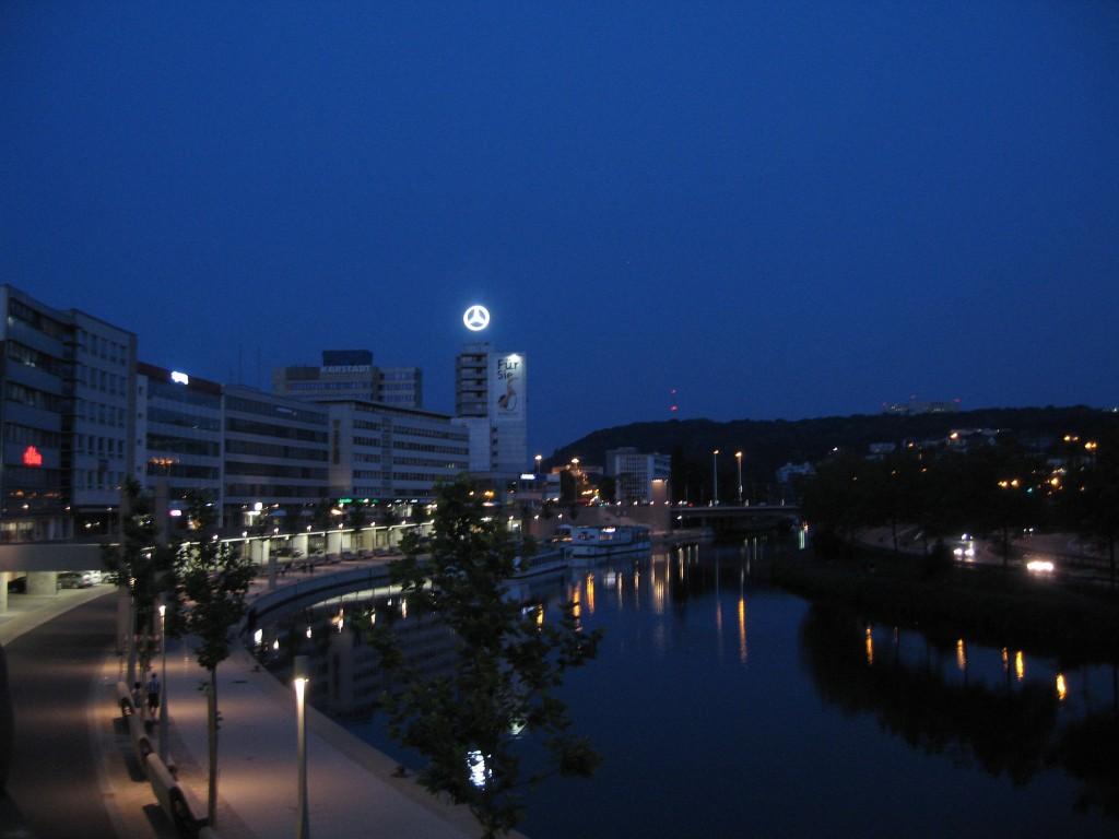 Saarbrücken: View along the Saar
