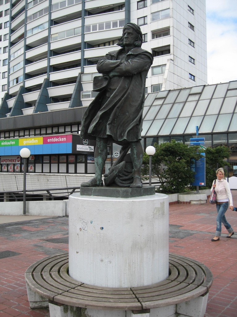 Bremerhaven Columbus statue