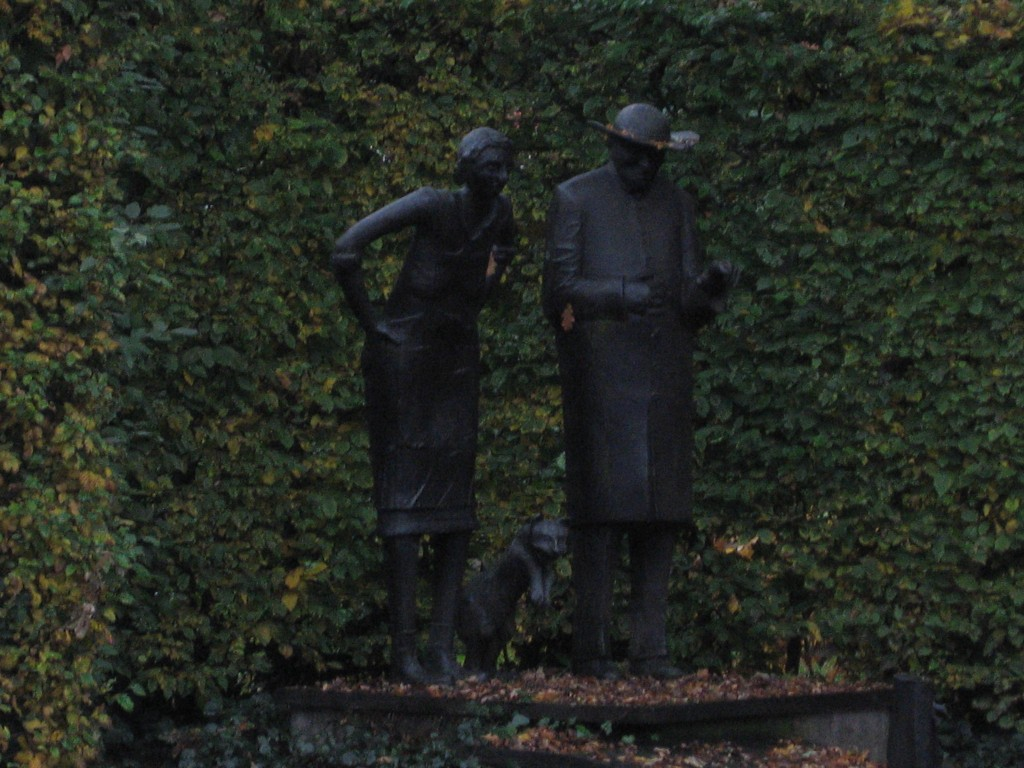 "The bronze sculpture ""Dei Muese von Aite"" (Lower German for The Mice of Oythe) based on a poem about two mice living in the vicarage house when they are driven out by a new cat. You can see the vicar, his housekeeper and the cat, though I did not capture the mice."