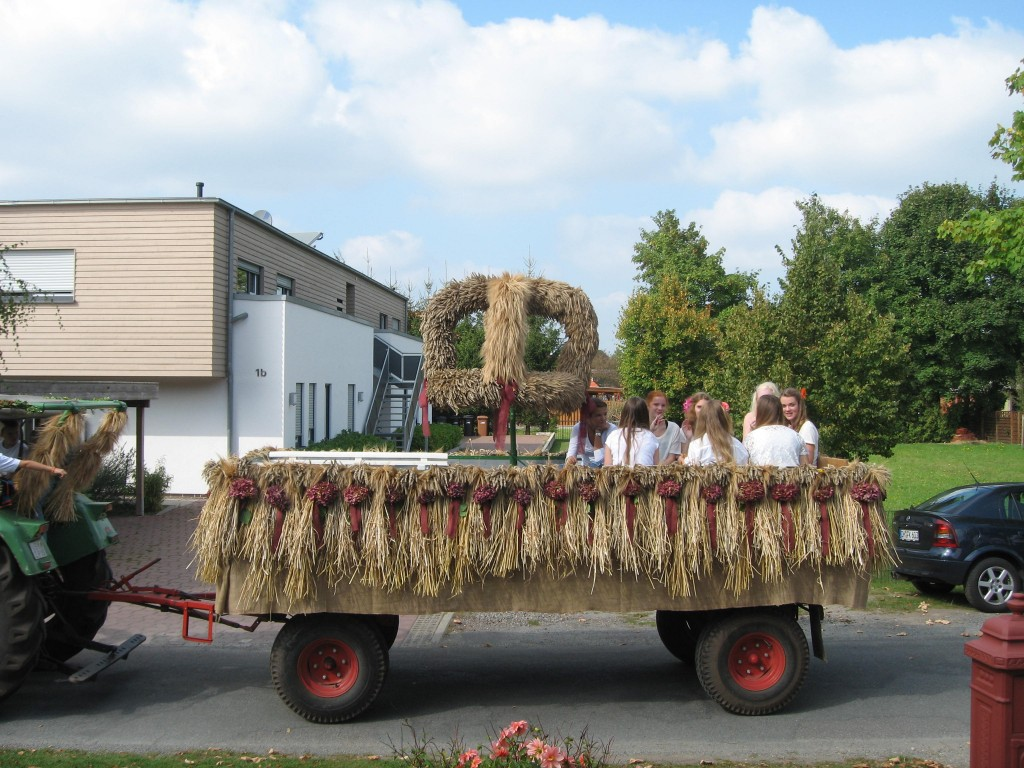 Harvest festival: harvest crown