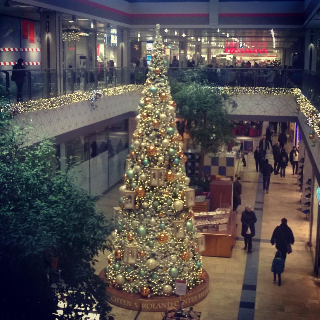 Roland Center Christmas