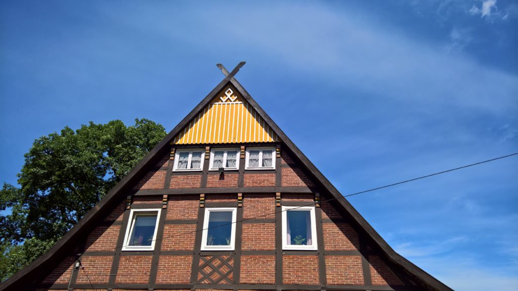 Gable with rune